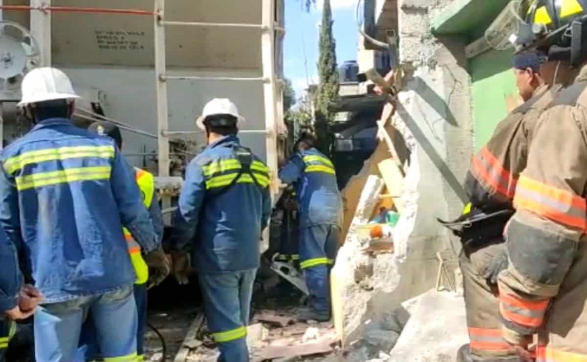 Tren descarrila y daña viviendas en Ecatepec