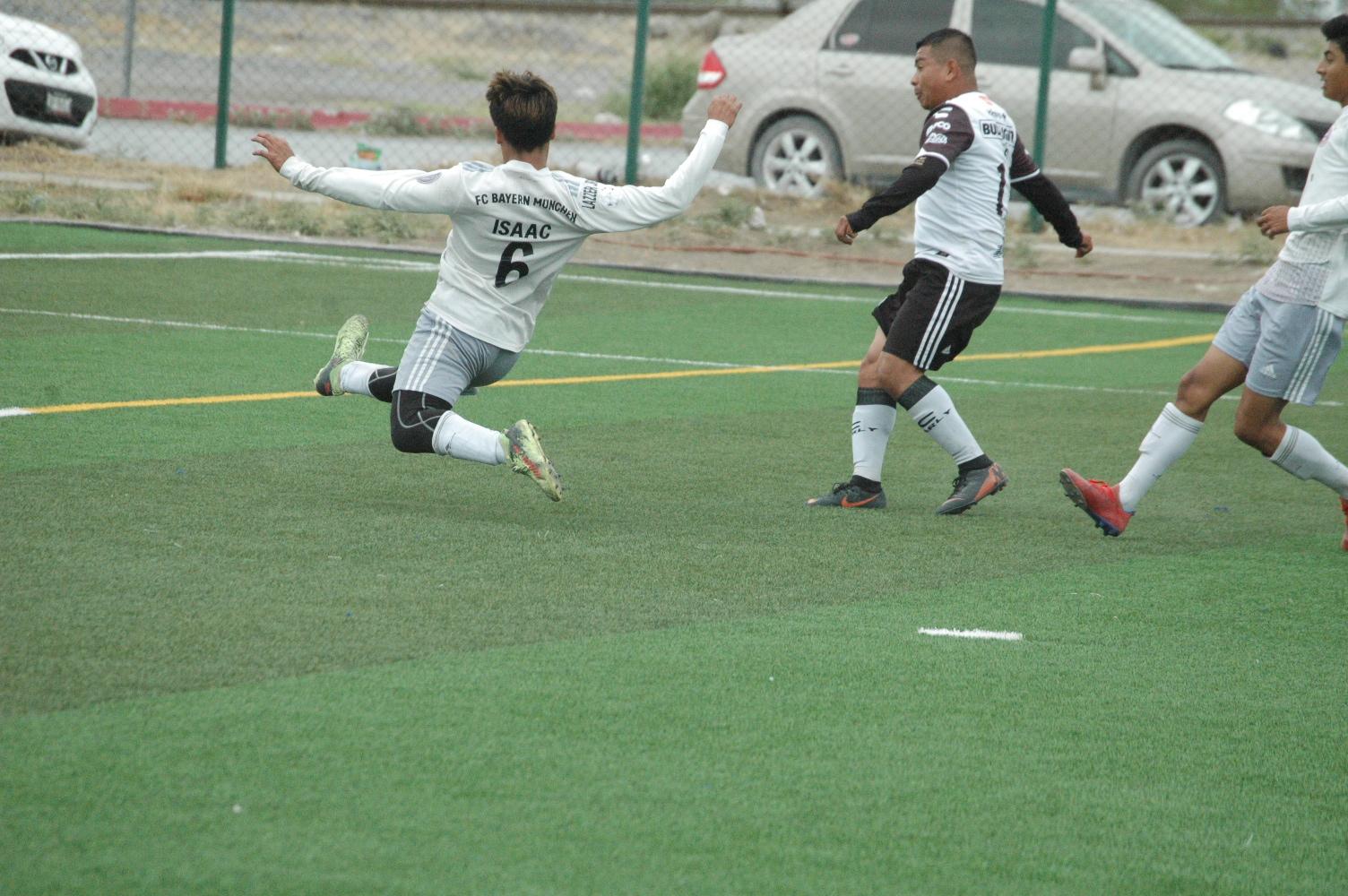 La Raza golea al Deportivo Kali