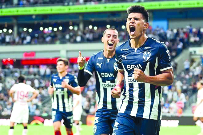Rayados doblegó al Toluca y sigue enrachado