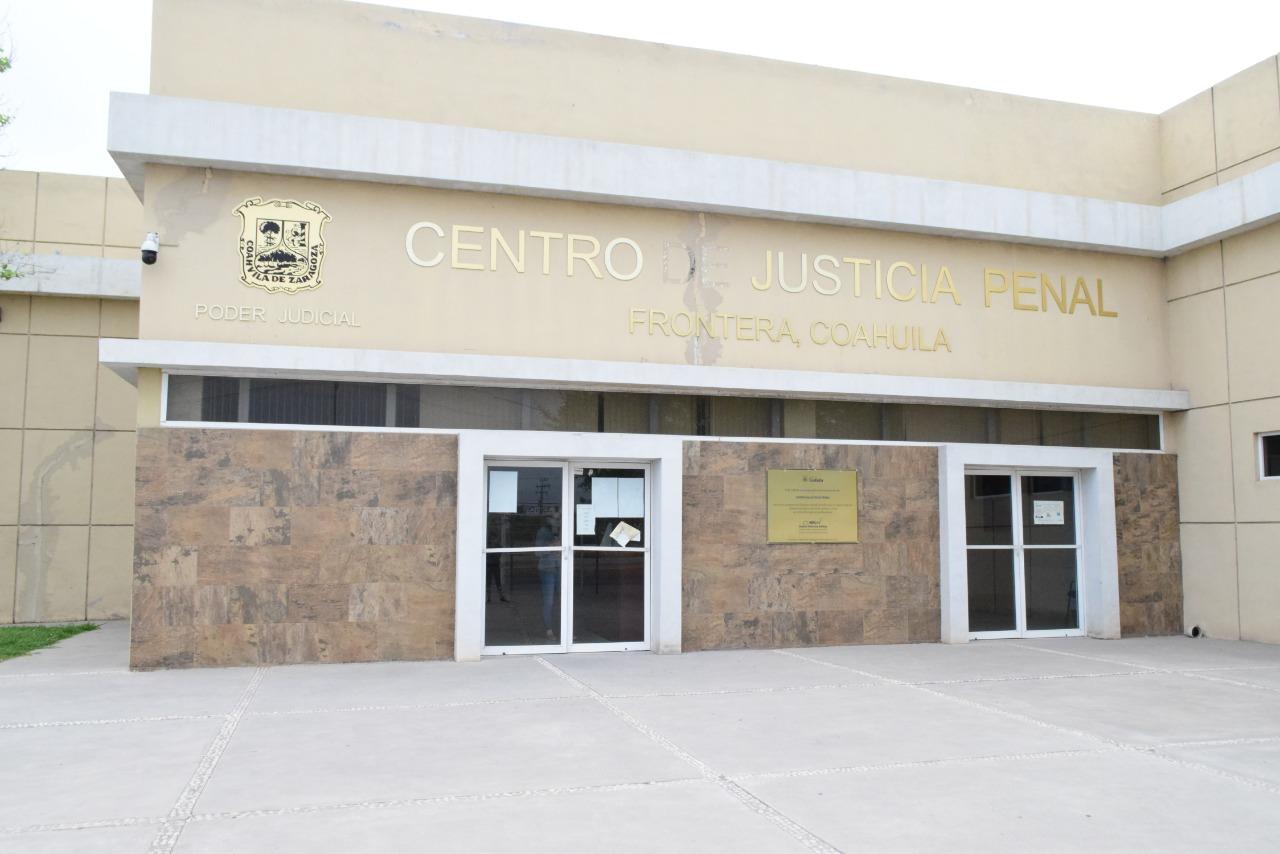 Juez dicta sentencia de 21 años de prisión a maestro de Monclova