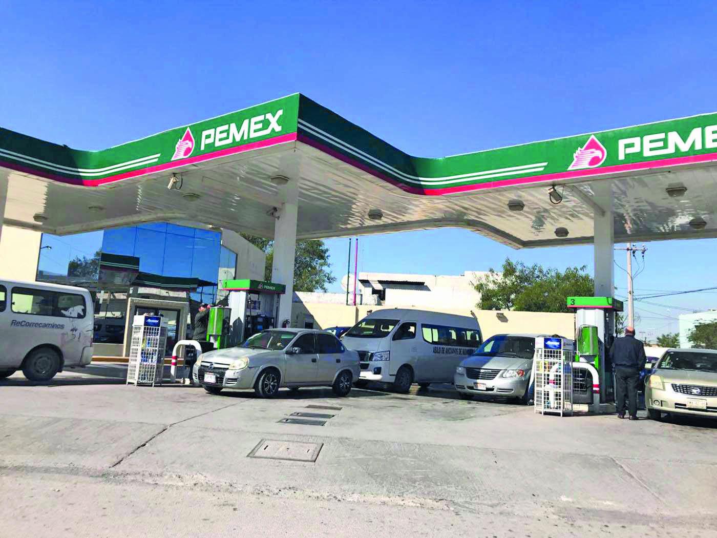 Los gasolineros prevén desbasto de combustible en la Región Centro