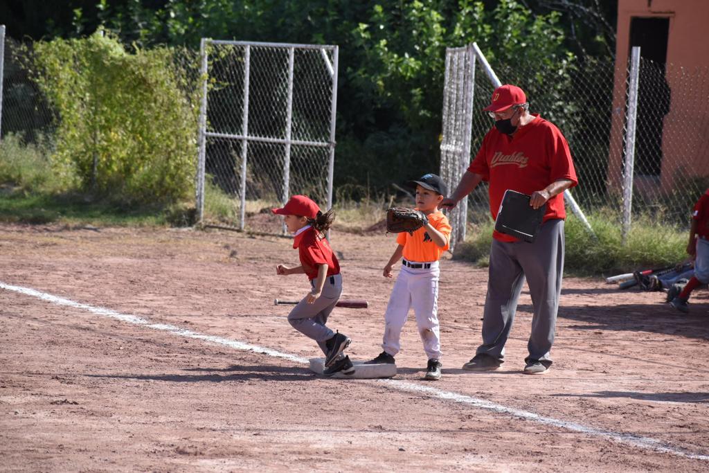 La liga Ribereña inicia su jornada beisbolera
