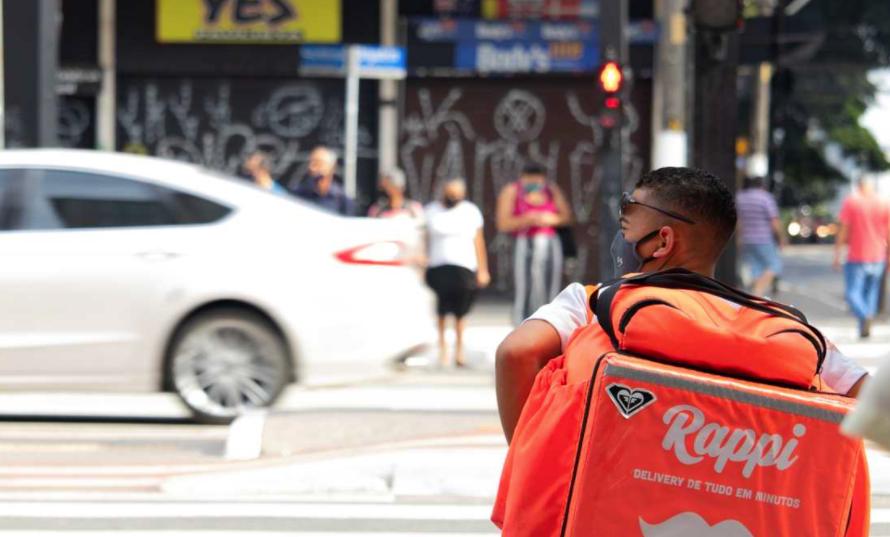 Nueva York dará salario mínimo a repartidores de apps de 'delivery'