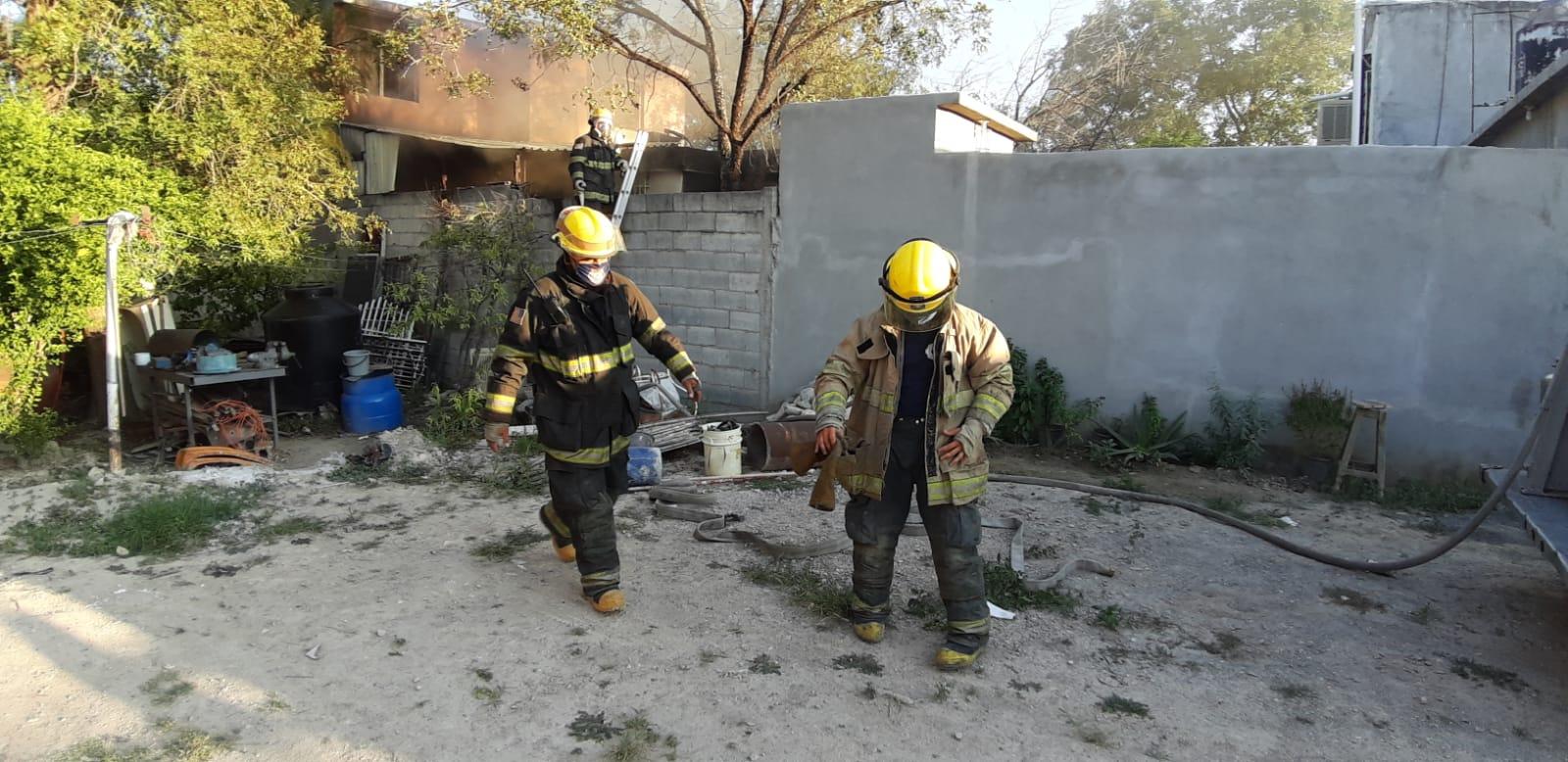 Domicilio es consumido por el fuego en Monclova