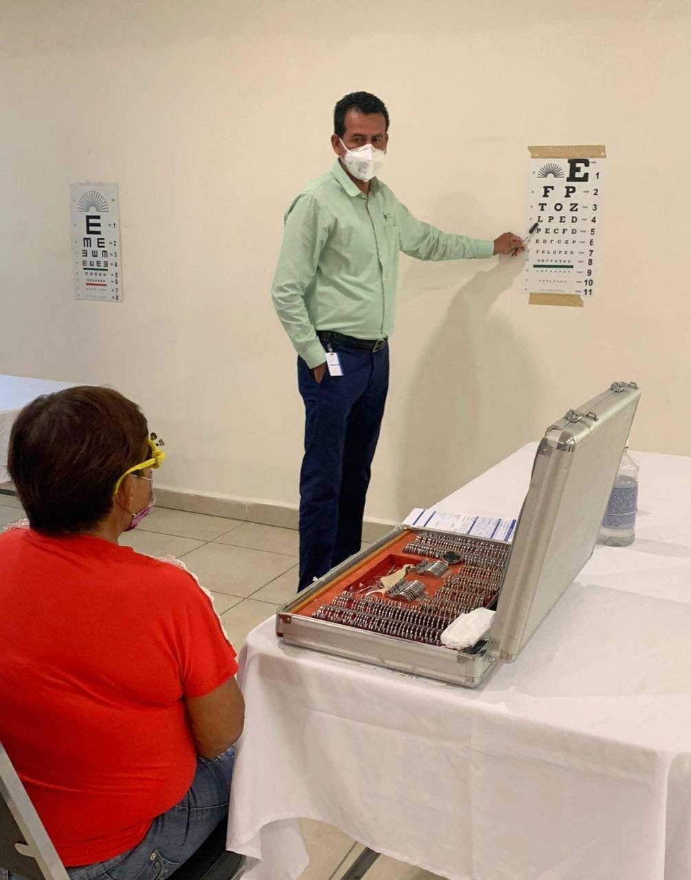 Médicos del Hospital La Carlota y el DIFen Frontera atendieron en la jornada a 80 pacientes