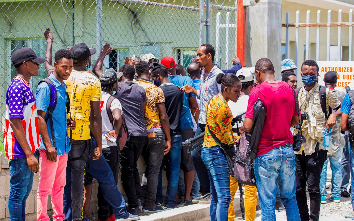 México reanudará próxima semana vuelos de retorno de migrantes haitianos
