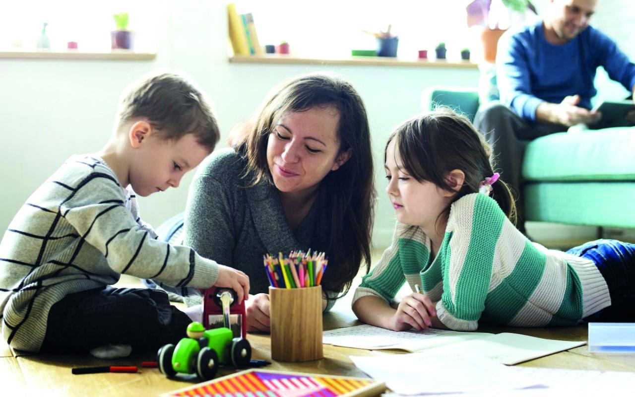 Trabajar de niñera en EU te permite seguir estudiando