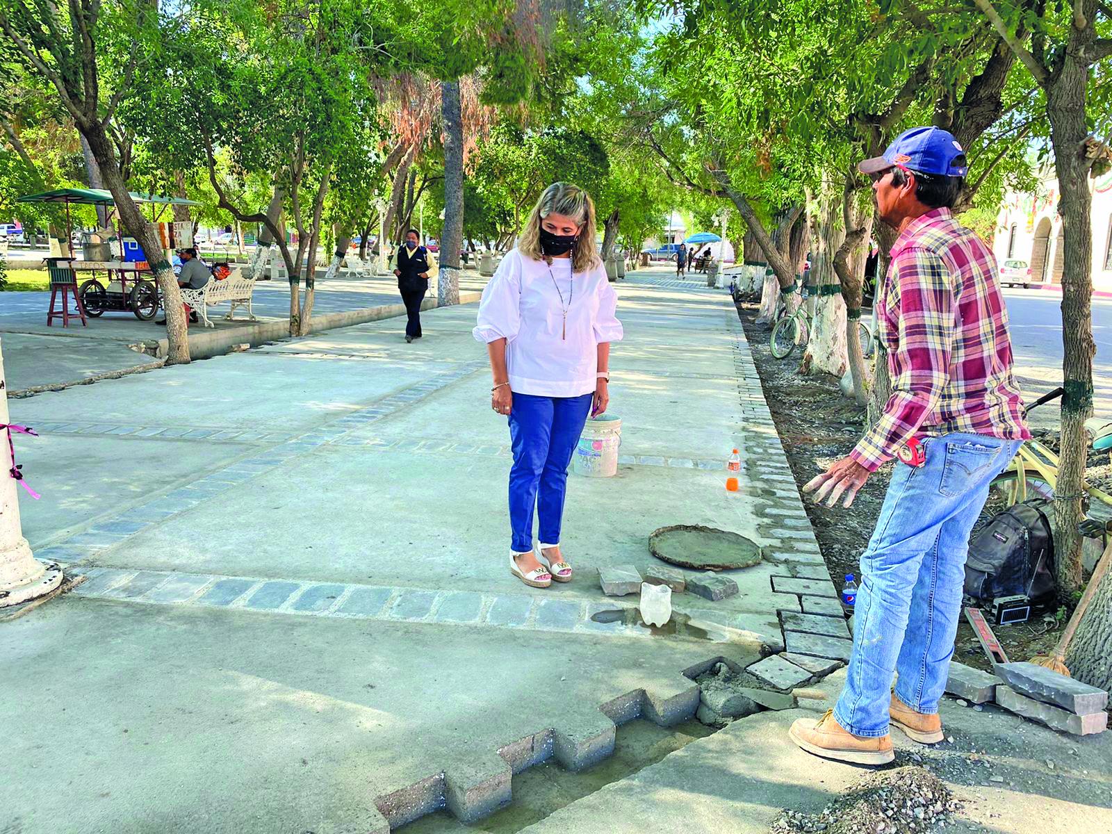 Las autoridades concluyen el embanquetado del Centro Histórico en San Buenaventura