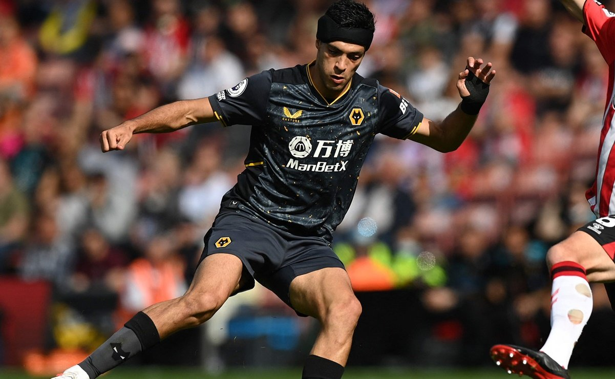 Raúl Jiménez lanza emotiva dedicatoria por su primer gol