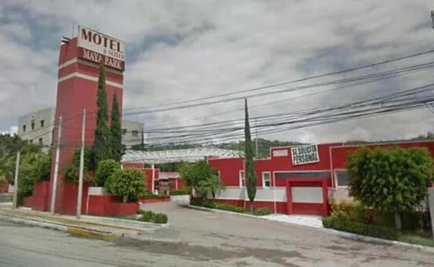 Aseguran maleta con 2 armas en el motel Maya Park en Querétaro