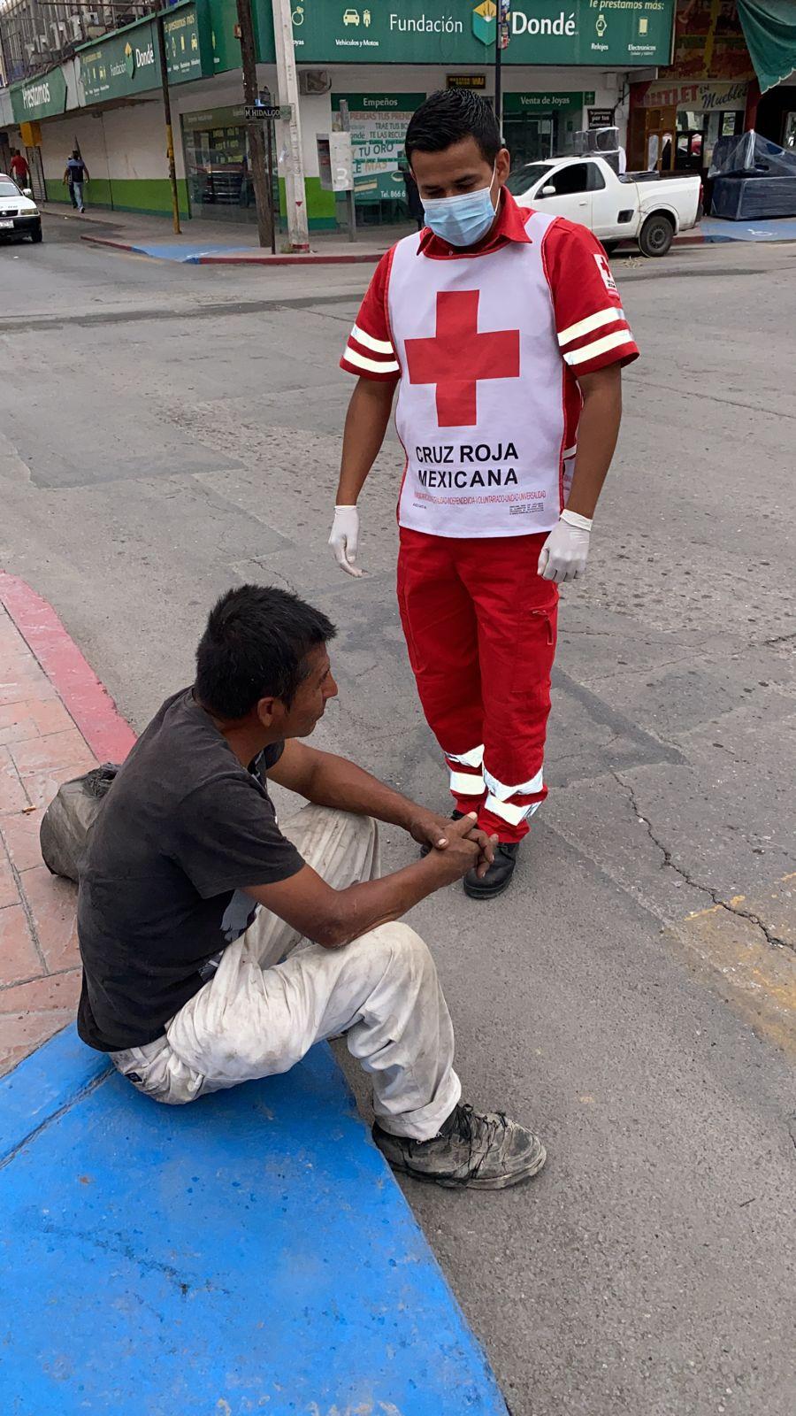 Peatones reportan a sujeto como muerto en Monclova