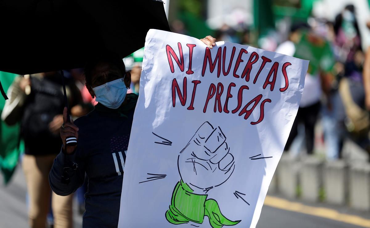 PRD exige amnistía para mujeres presas por aborto
