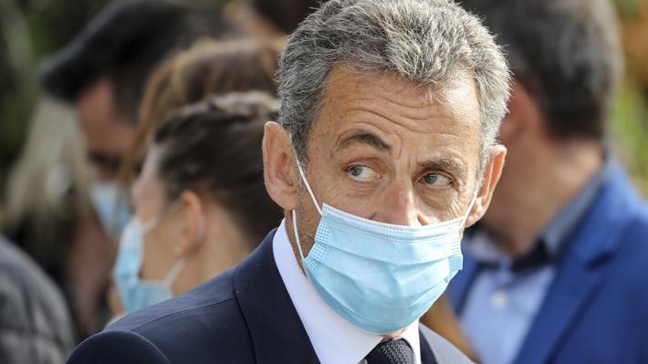 El expresidente francés Nicolas Sarkozy condenado a un año de cárcel por financiación ilegal