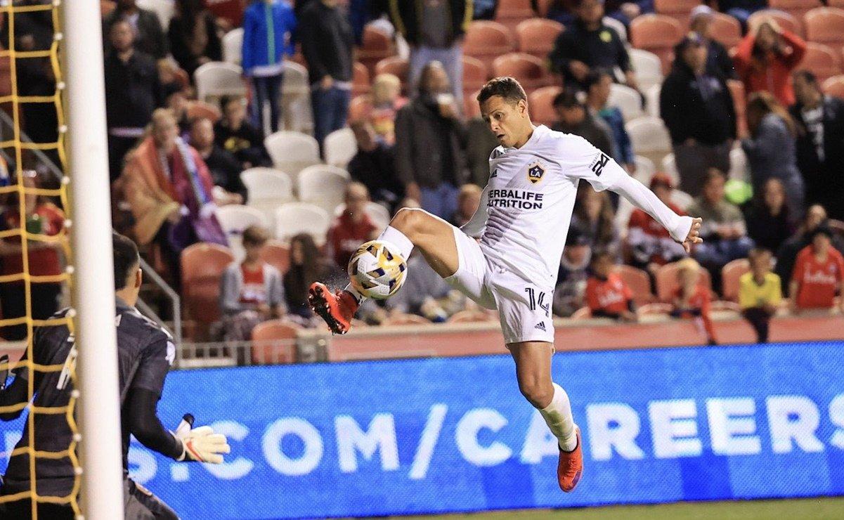 'Chicharito' Hernández anota gran gol con el Galaxy en la MLS