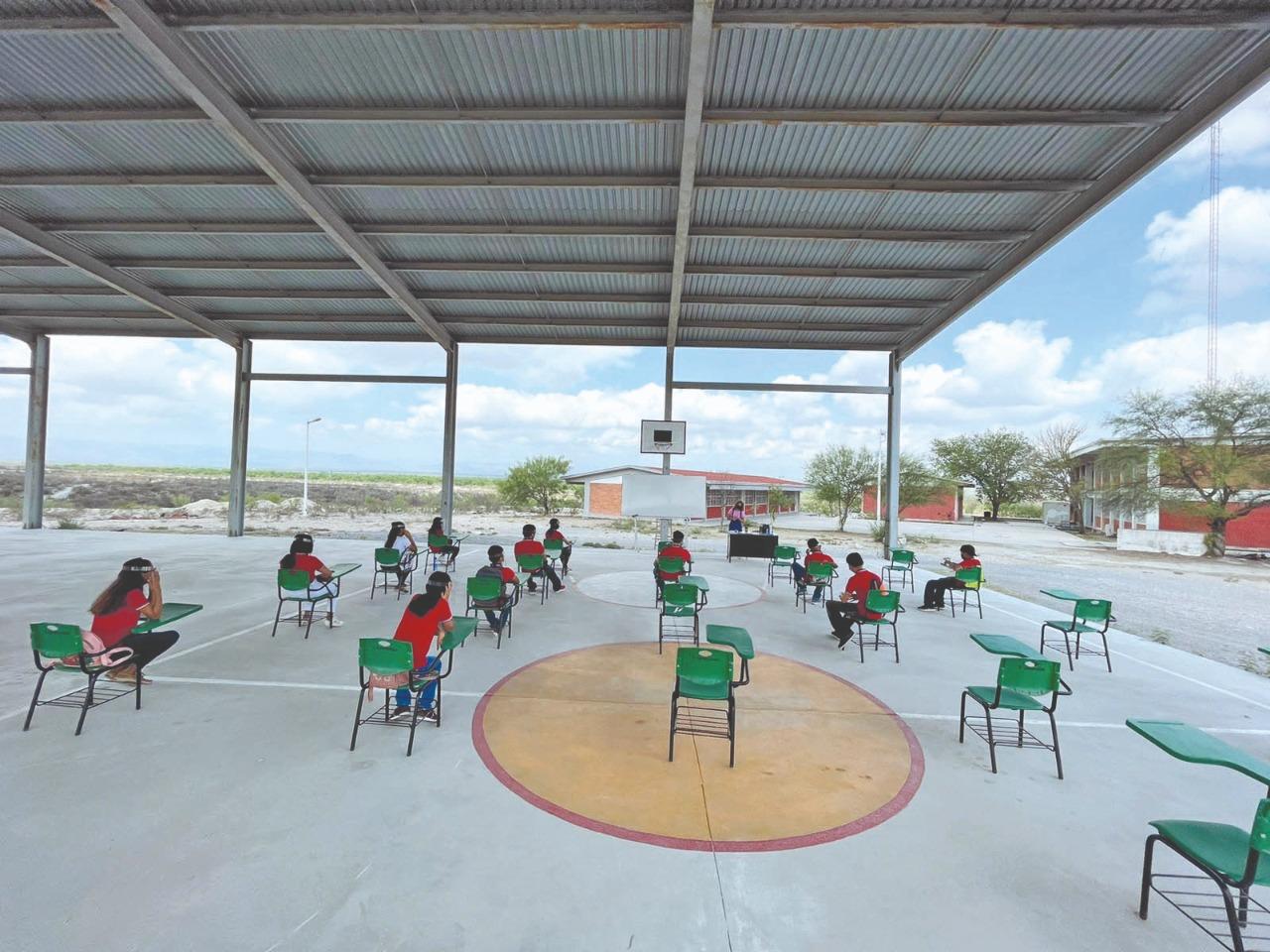 Alumnos de nivel básico se incrementarán a clases presenciales en la Región Centro
