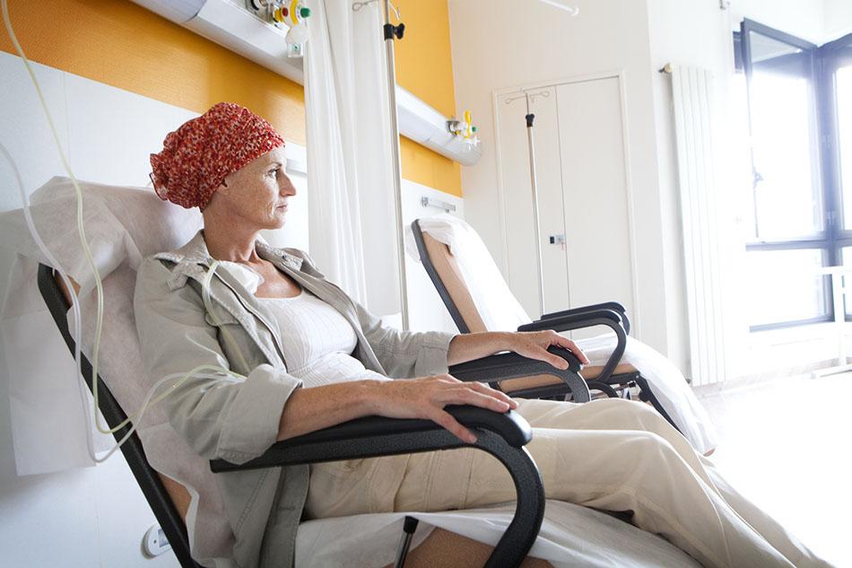 Efectos secundarios de la quimioterapia para mujeres con 'Cáncer de mama'