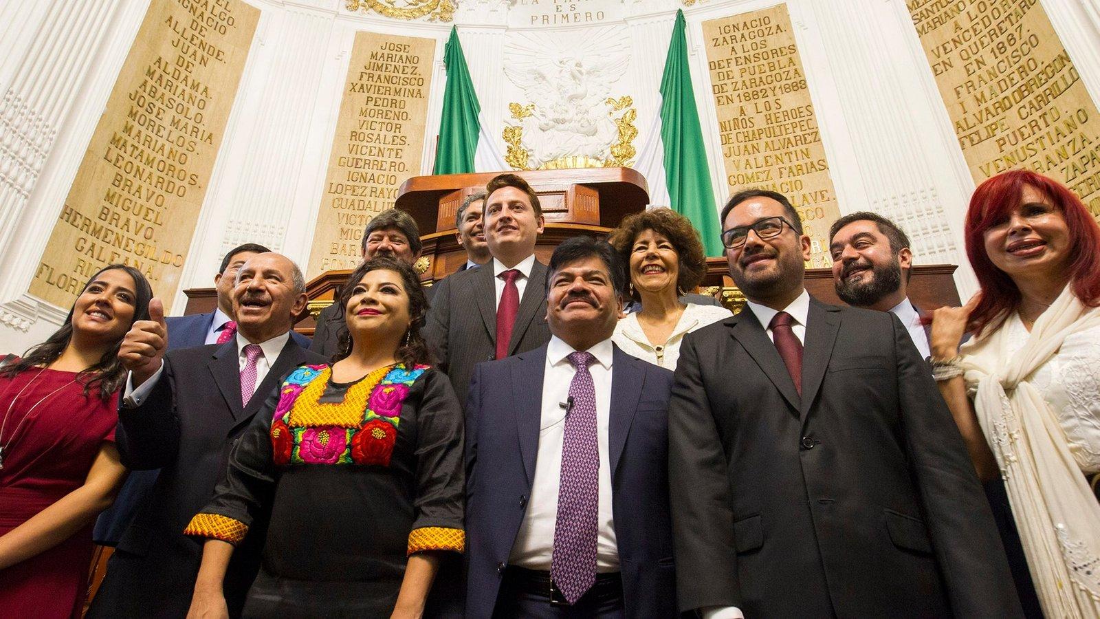 Rinden protesta los 16 nuevos alcaldes de la Ciudad de México