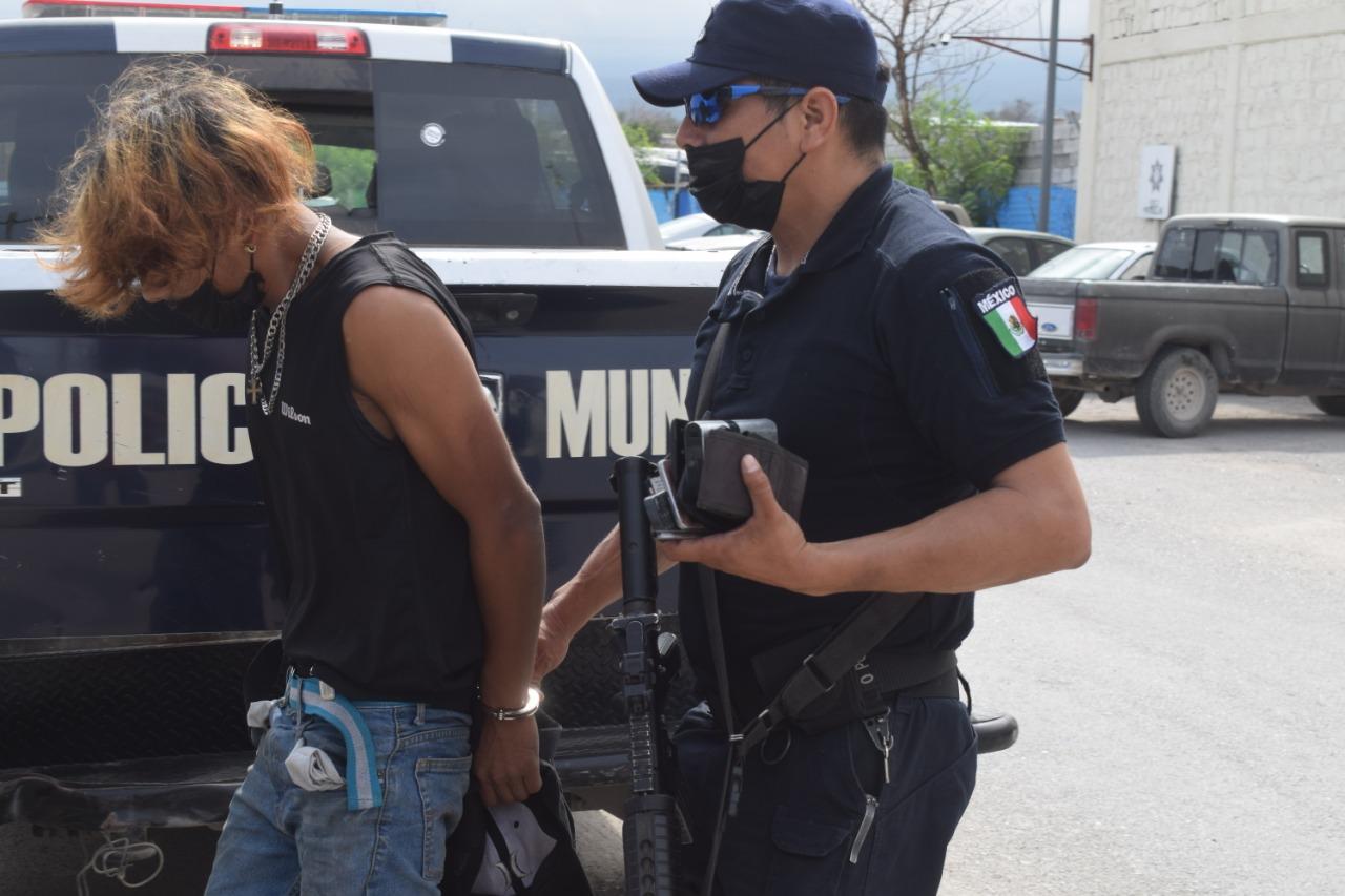 Dos sujetos fueron detenidos en Monclova por inhalar sustancias toxicas