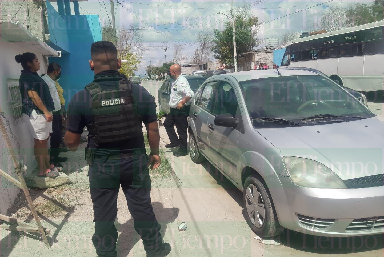 Vecina de la colonia Hipódromo le roban dentro de su carro en Monclova