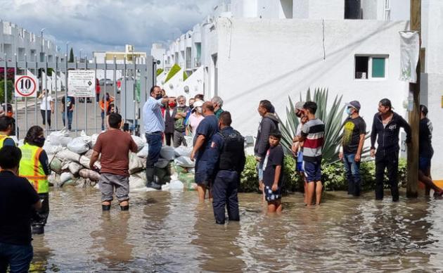 Evacuan a casi mil personas en La Rueda, San Juan del Río