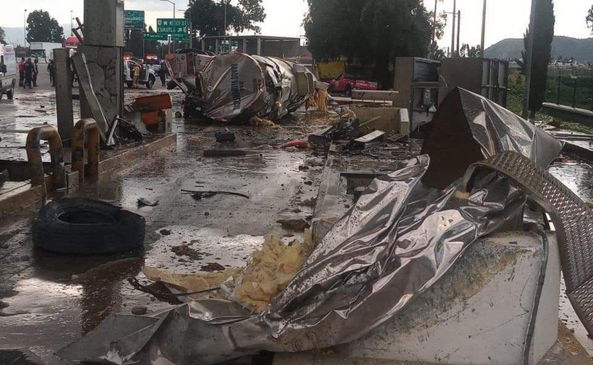 Tráiler choca contra caseta de cobro en la México-Puebla
