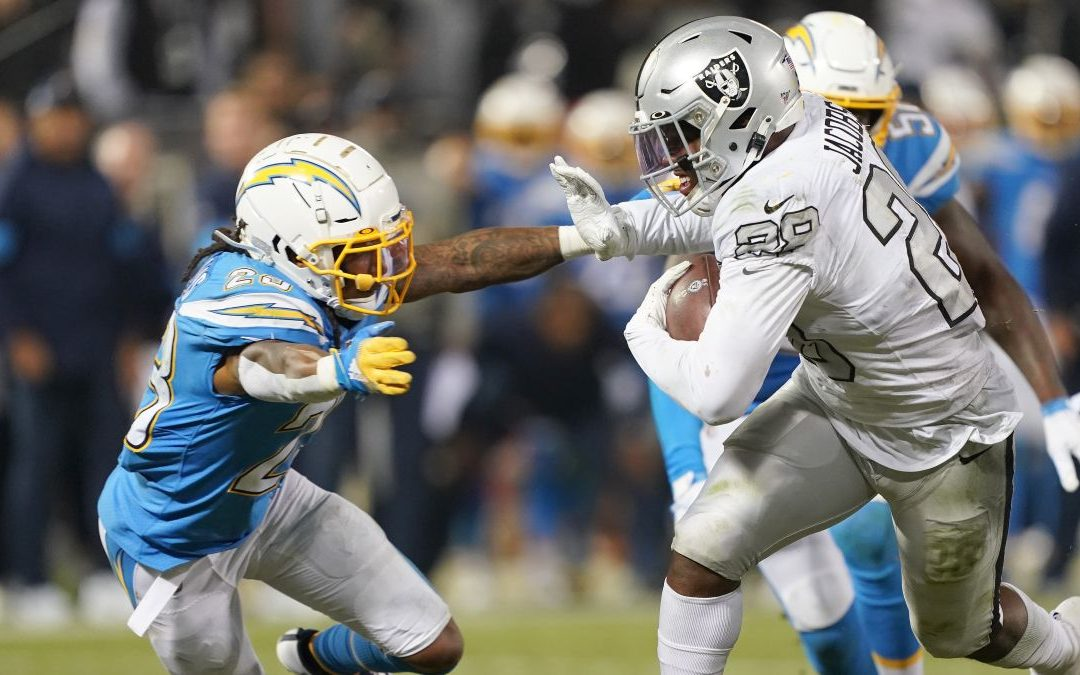 Chargers supera a los Raiders