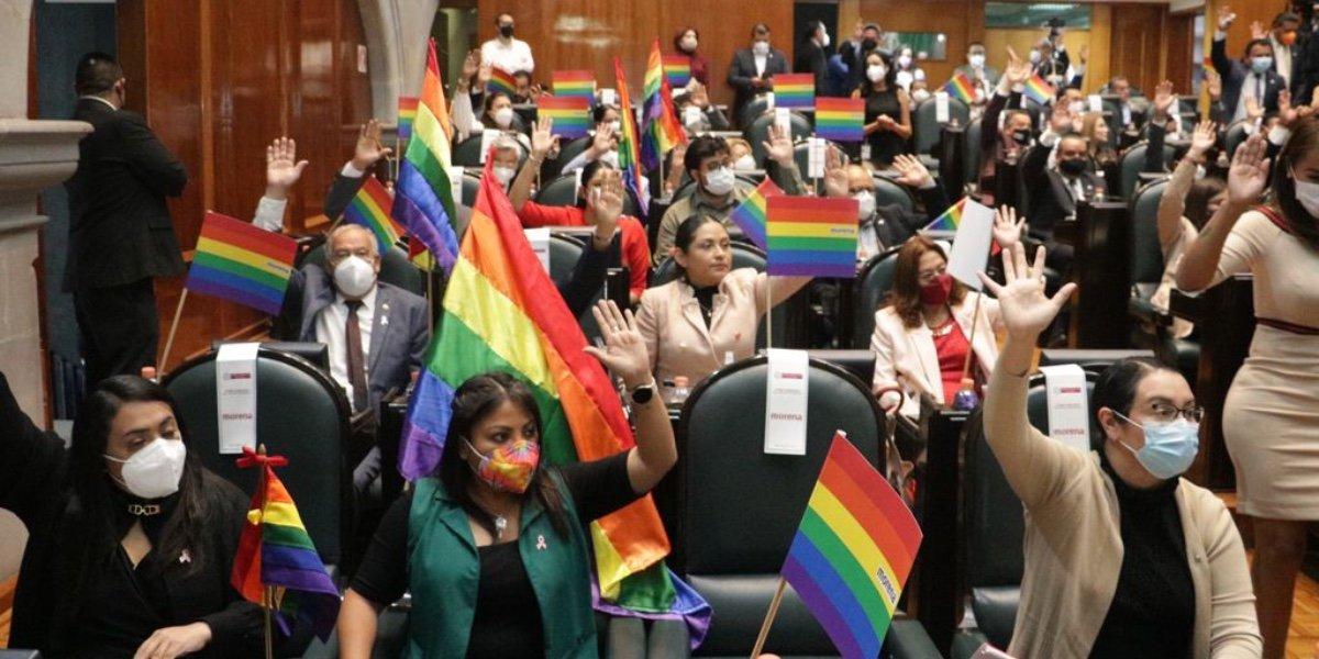 Presentan iniciativas para reconocer matrimonio igualitario en Edomex