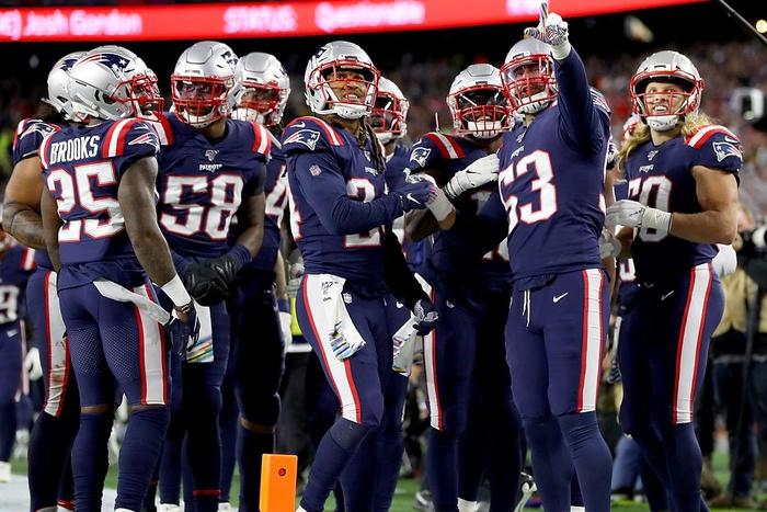 Los Patriots de Nueva Inglaterra negocian un nuevo contrato con Jamie Collins
