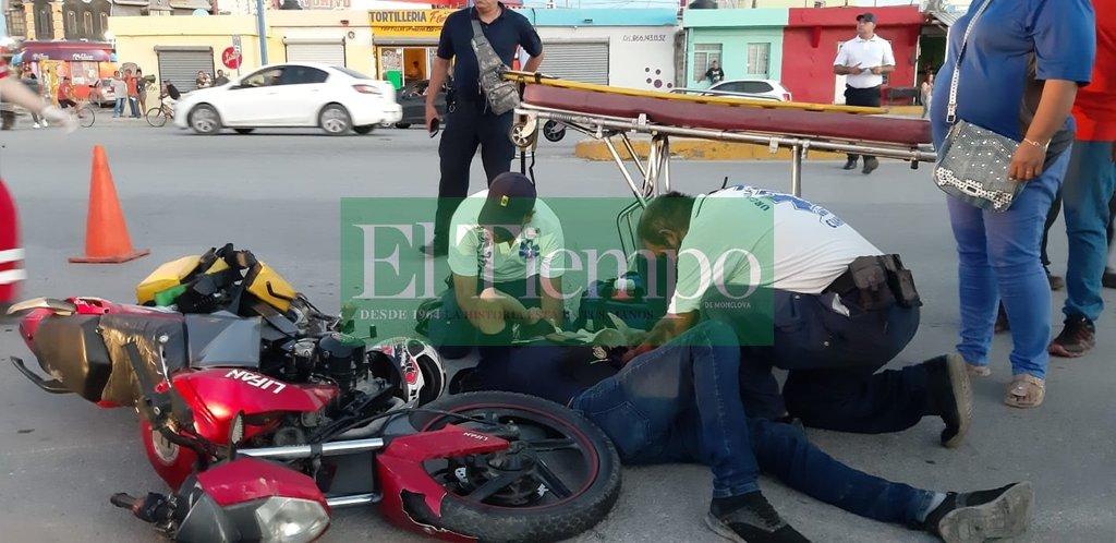 Conductor de camioneta derriba a motociclistaen Monclova