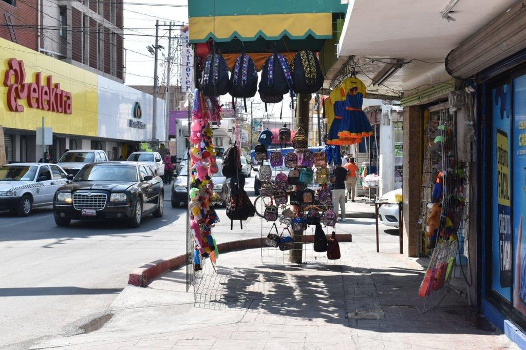 El comercio informal invade las banquetas de la zona centro de Monclova