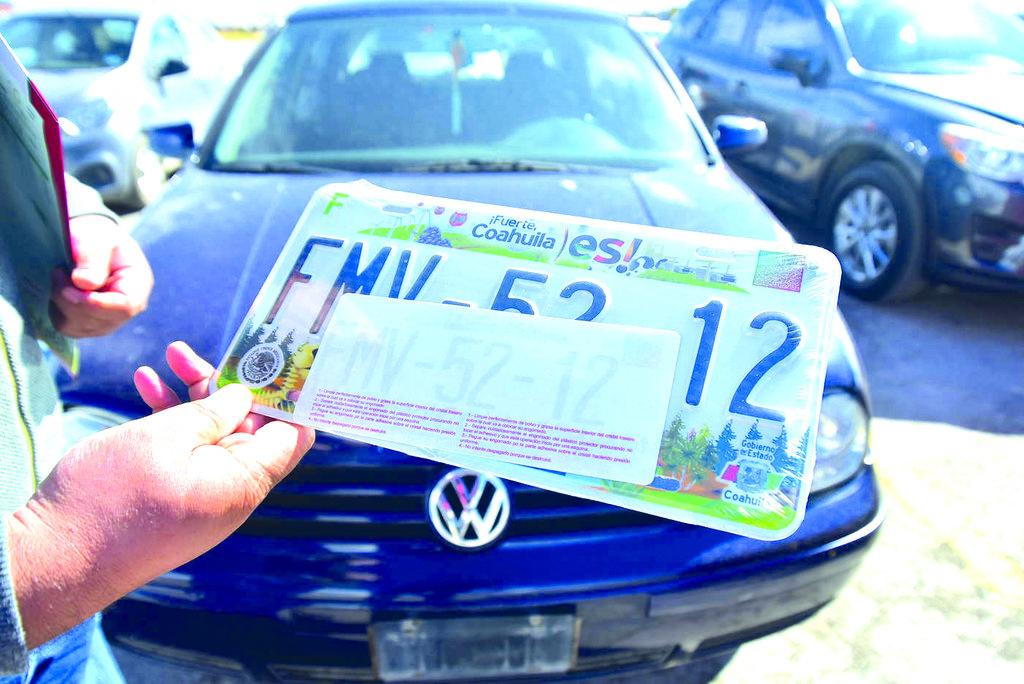 Legisladores deciden sobre el cambio de placas para el 2022 en Monclova