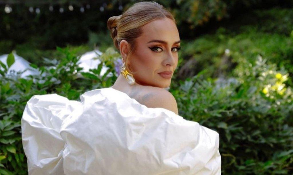 Adele regresa a la música