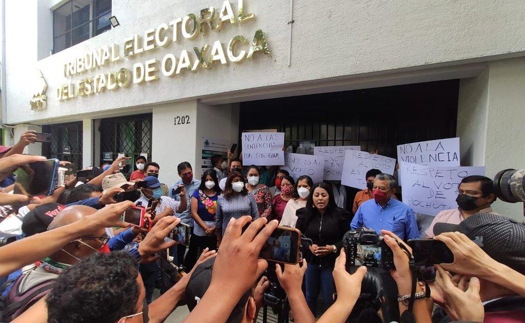 Anula TEEO elecciones en San Pedro Pochutla y Chiltepec