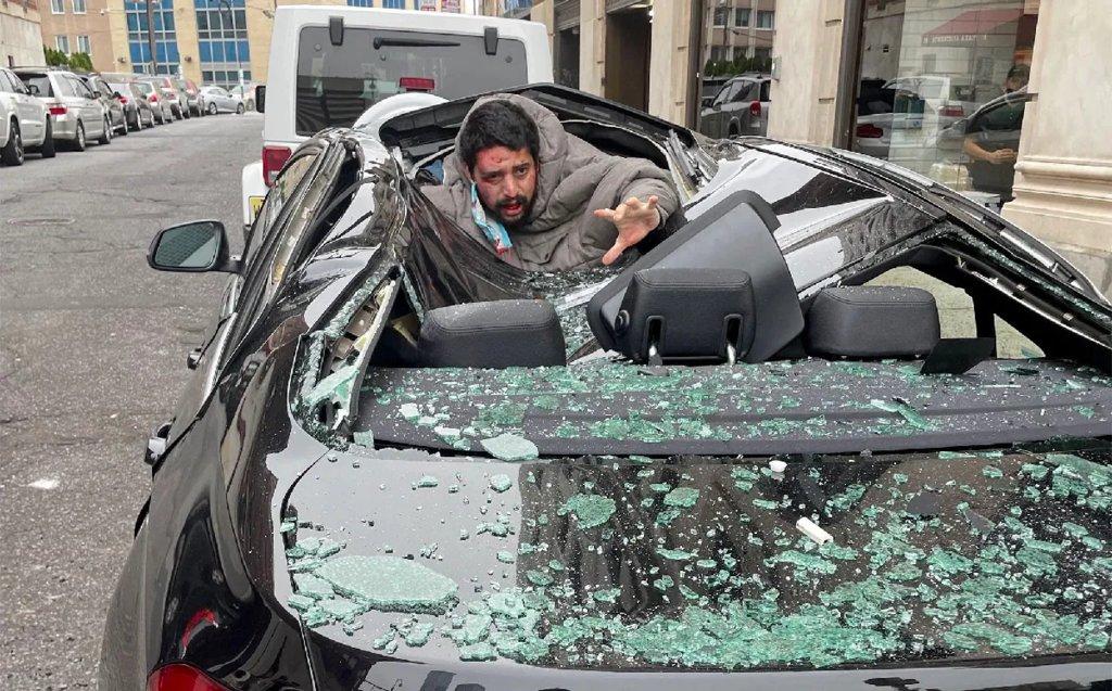Hombre sobrevive tras caer del noveno piso y aterrizar en un BMW