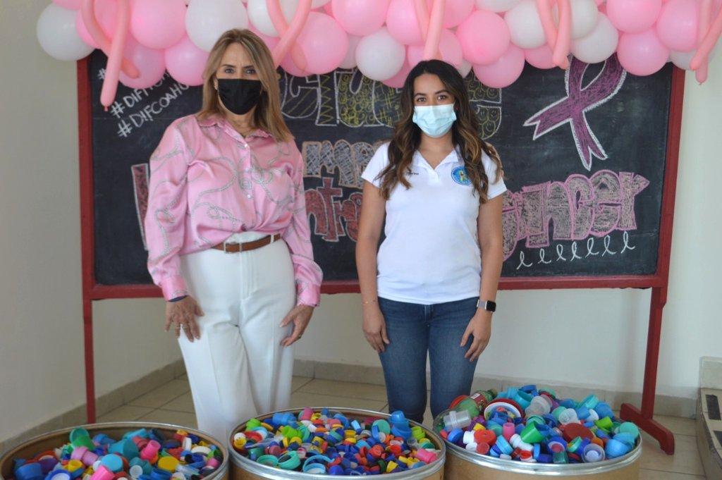 El DIF Frontera entrega tapitas a la Asociación Sonrisa que lucha contra el cáncer