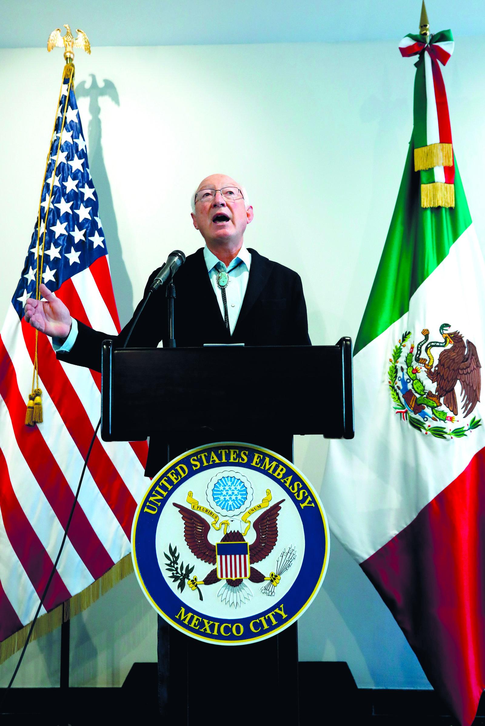 EU busca junto con México solución a crisis migratoria