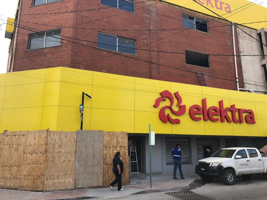 Elektra deja de impedir el paso a los peatones de Monclova