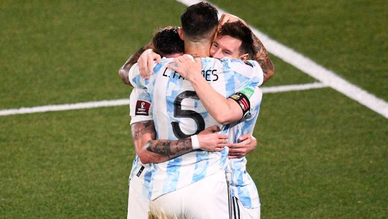 Argentina doblega a Uruguay y Messi llega a 80 goles con la Albiceleste