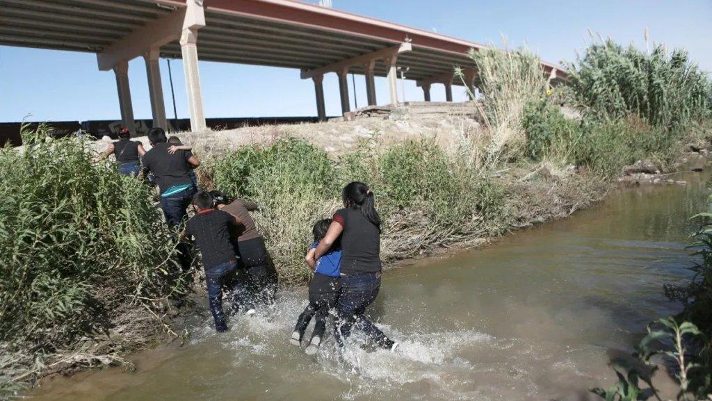 Migrantes quedan en el intento al cruzar el río, mueren