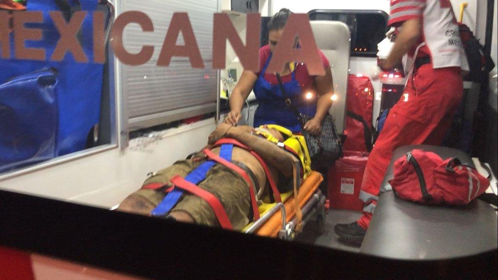 Un motociclista se estrella contra bordo en Monclova