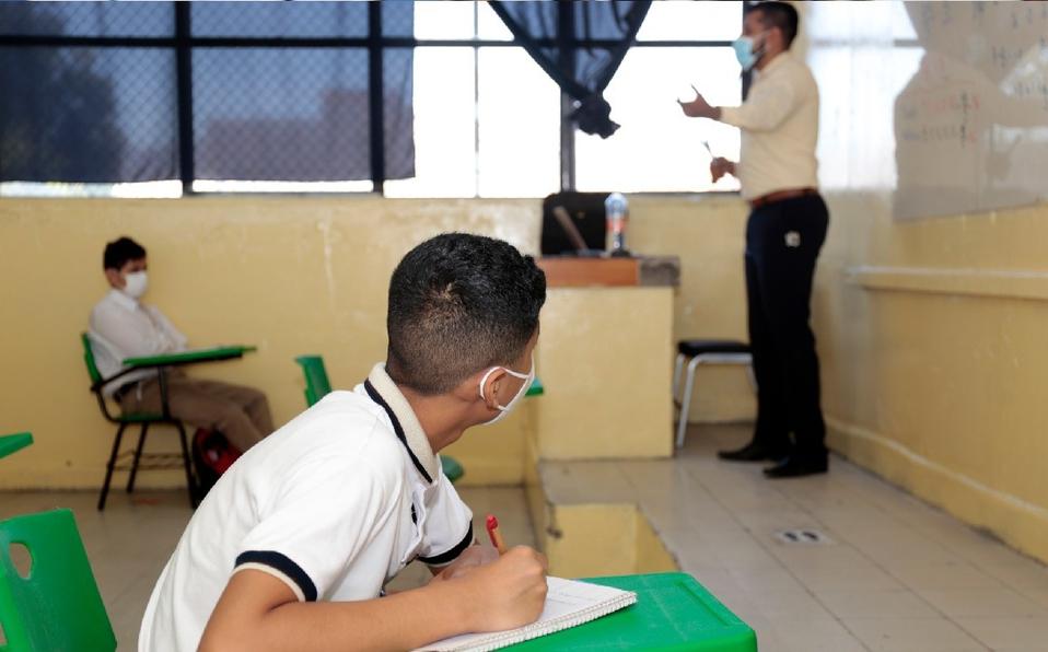 50 mil alumnos asisten a clases presenciales en escuelas de la Región Centro