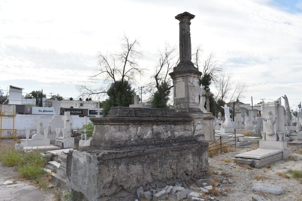 Las construcciones de las tumbas de 1900 en Monclova