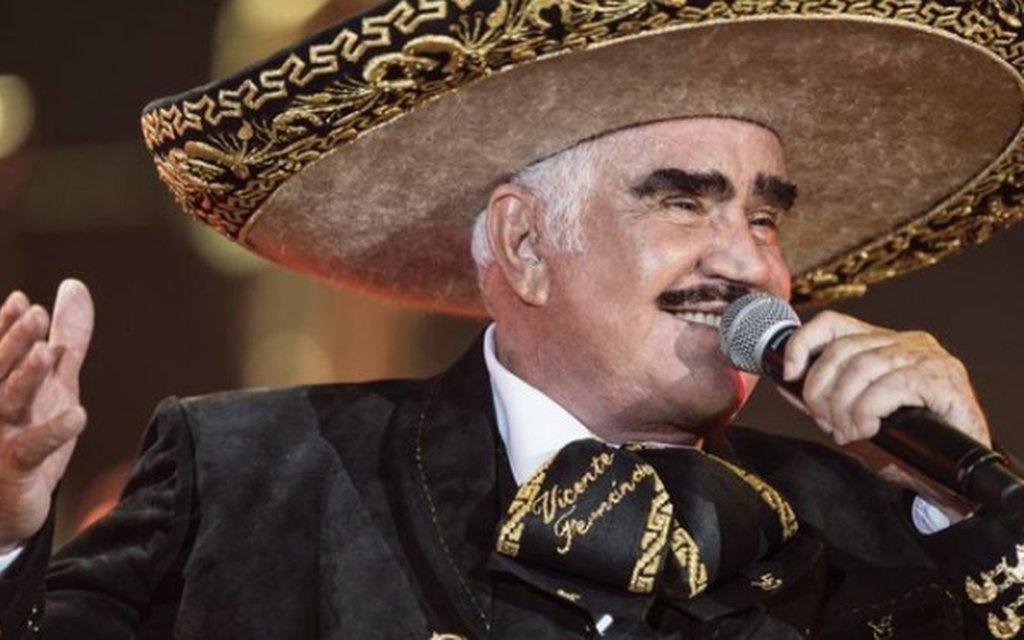 Hijo de Vicente Fernández descarta muerte cerebral de su padre