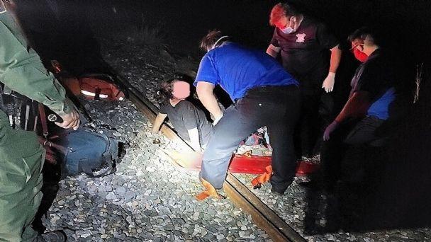 Una familia de indocumentados caen del tren, al padre le amputó un brazo, a la mujer una pierna y a bebé un dedo de su mano