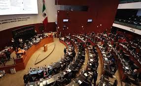 Senado exige que el INE facilite la recolección de firmas