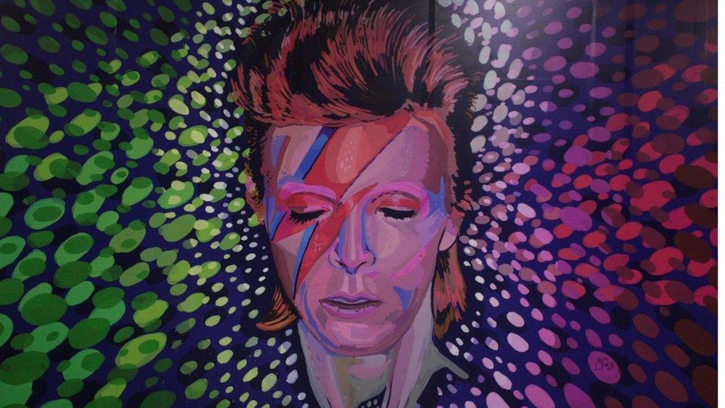 Celebrarán 75 años del fallecido David Bowie con disco