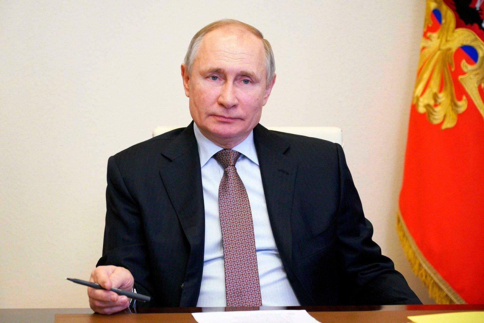 Putin asegura tener 'relaciones de trabajo estables' con Biden