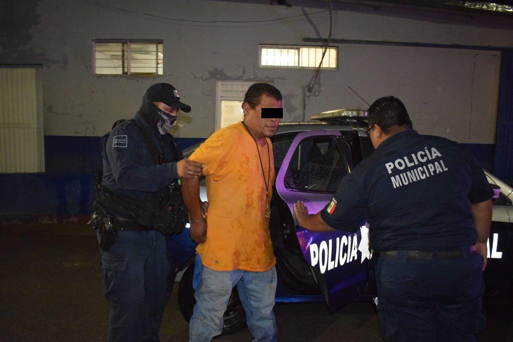 Un sujeto termino la parranda dentro de los separos policiacos de Monclova