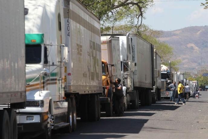 Importantes pérdidas económicas dejan caídas del sistema de la aduana: Transportistas
