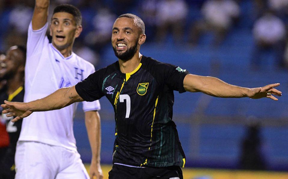 Jamaica envía al último lugar a Honduras